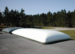 collapsible pillow tank